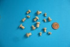 15 Miniatur-Pilze, gedrechselt, 8 - 12 mm
