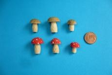 6 Miniatur-Pilze, 14 - 20 mm
